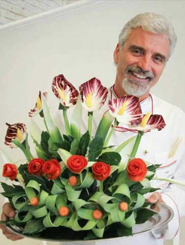 intaglio vegetali composizione floreale